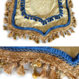 ai00269_Showblanket_gold